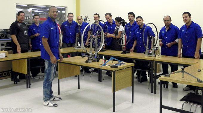 curso profissionalizante de mecânico de bicicletas